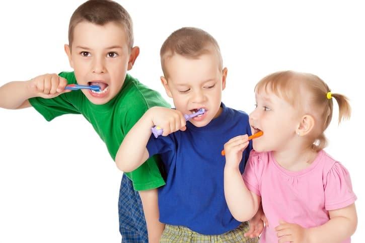 tanden poetsen bij kinderen